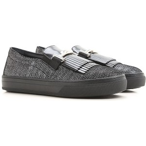 Tod's Women Slip-ons Black•Other colors: Silver Grey On Sale JQJE569